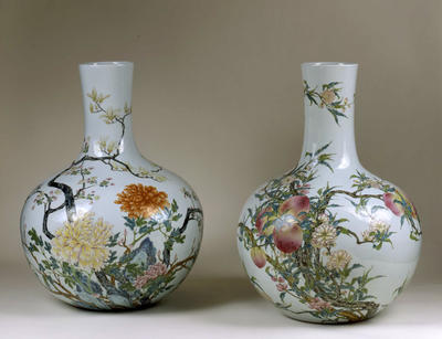 Vase with chrysanthemums